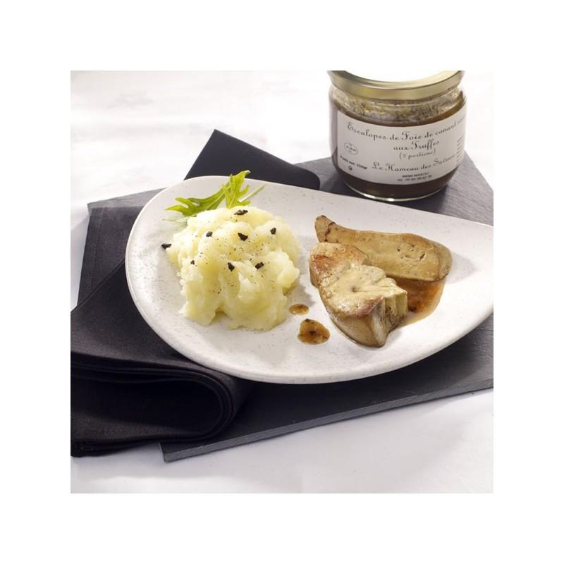 Assiette d'escalopes de foie gras de canard sauce aux truffes