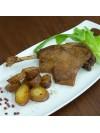 assiette de cuisses de canard confites dorées au four